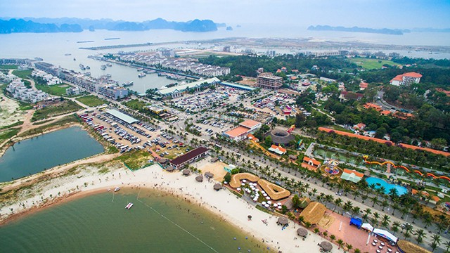 Quảng Ninh yêu cầu rà soát toàn bộ quy hoạch tại đảo Tuần Châu - Ảnh 1.