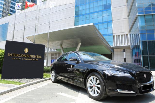 photo 2 15647345261811444216770 - Jaguar Việt Nam chính thức bàn giao lô xe cao cấp cho Intercontinental Hanoi Landmark72