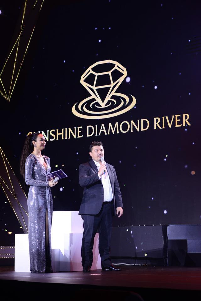 photo 5 15655980315661746514066 - Lễ ra mắt đậm chất nghệ thuật của Sunshine Diamond River tại Sài Gòn